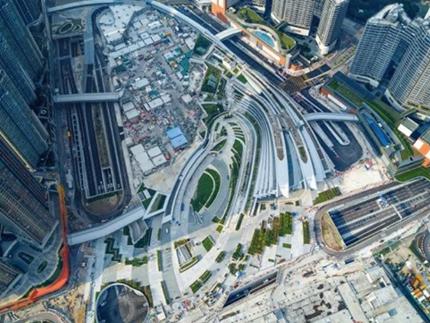 """打通""""北上""""和""""南下"""" 高铁为香港旅游业注入新活力"""
