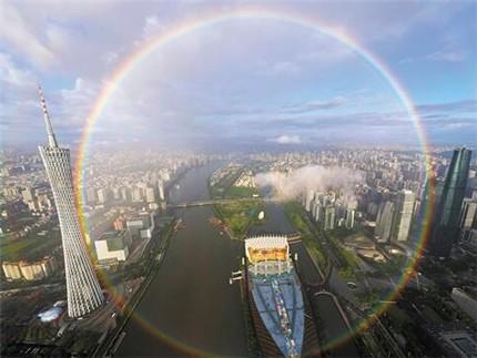 霓虹同现 广州雨后双彩虹