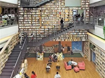 首家广佛共建图书馆启用 实现广佛两地图书互相借还
